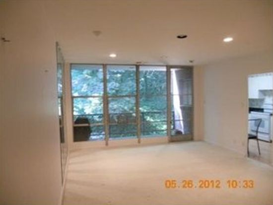 5100 5th Ave APT 405, Pittsburgh, PA 15232