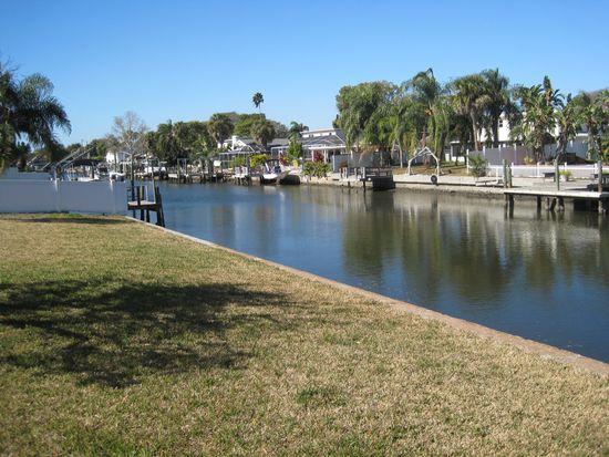 8705 Elmwood Ln, Tampa, FL 33615
