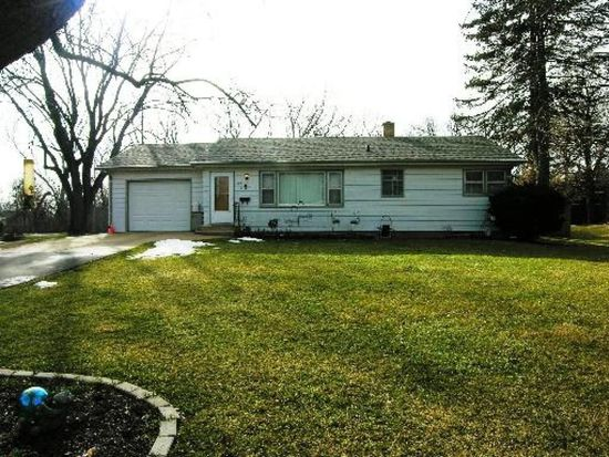 28W355 Behrs Circle Dr S, Warrenville, IL 60555