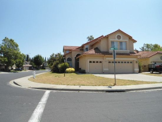 100 Dove Ct, Vacaville, CA 95687