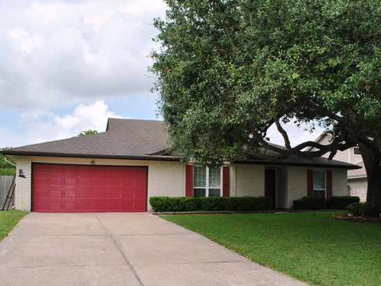 608 Tanglewood Dr, Friendswood, TX 77546