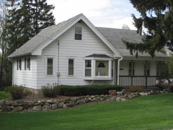 18525 Pleasant St, Brookfield, WI 53045