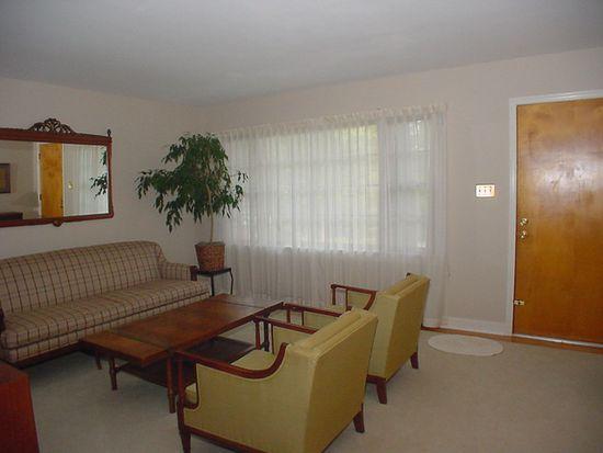 10400 Saxony Rd, North Chesterfield, VA 23235