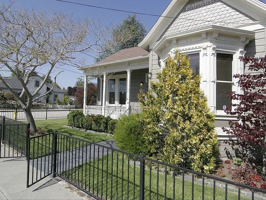 440 Caledonia St, Santa Cruz, CA 95062