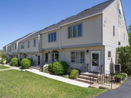 12 Turning Mill Ln, Quincy, MA 02169