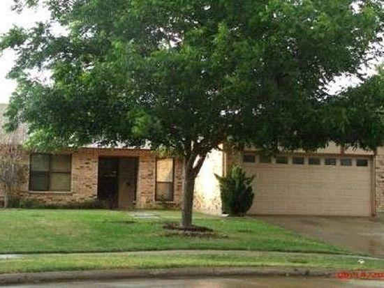 2562 Seven Hills Dr, Grand Prairie, TX 75052