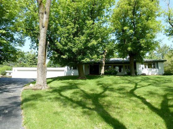 140 Algonquin Rd, Barrington, IL 60010