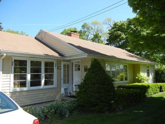 625 Prospect Ave, Barrington, IL 60010