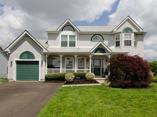 823 Frosty Hollow Rd, Langhorne, PA 19047