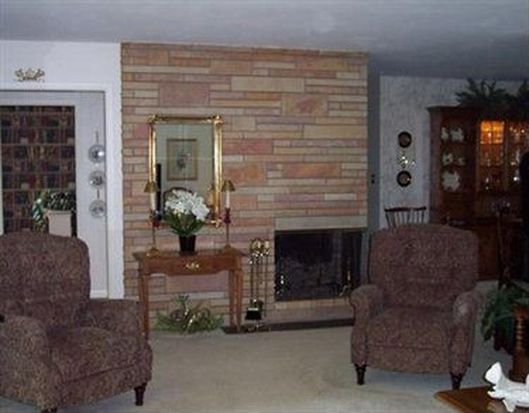 5907 Overlook Dr, Erie, PA 16505