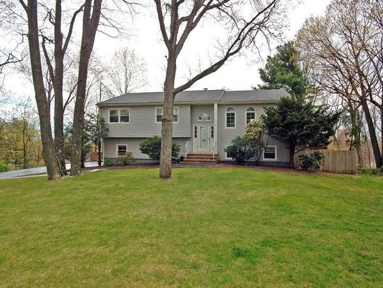 29 Bear Brook Ln, Livingston, NJ 07039