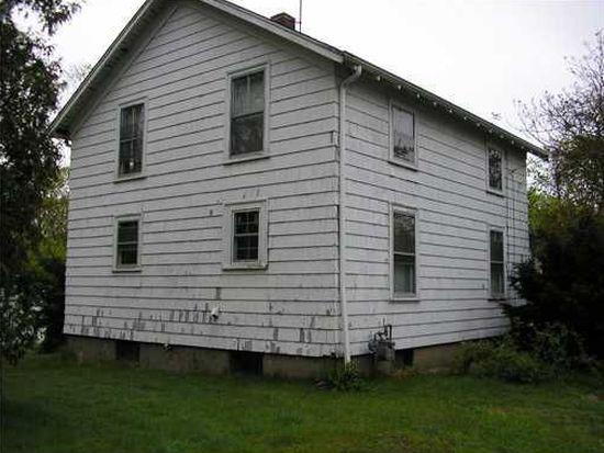 84 Lake Ave, Barrington, RI 02806