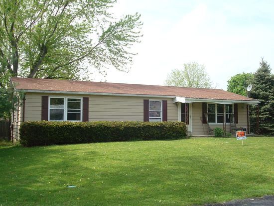 363 Valley Dr, Fayetteville, PA 17222