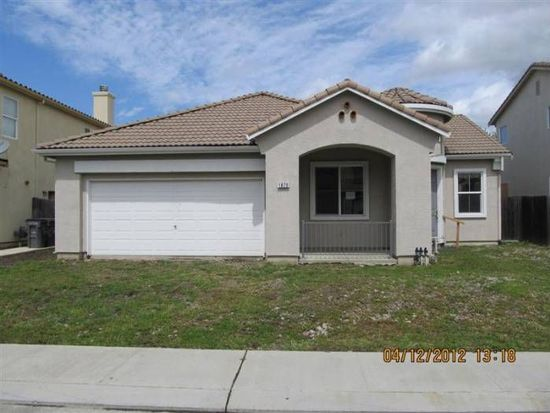 1879 Blowers Dr, Woodland, CA 95776