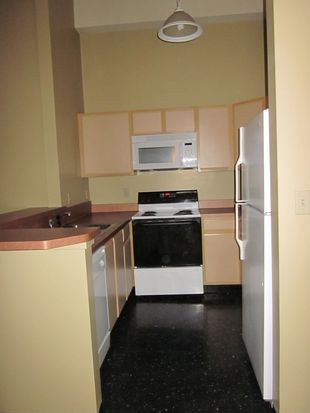 2201 W 93rd St APT 94, Cleveland, OH 44102