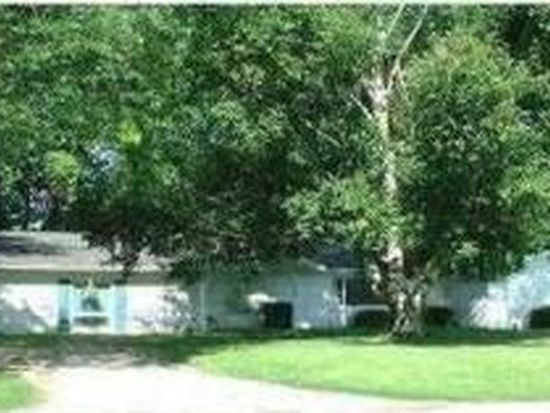 983 Lincoln Lake Ave SE, Lowell, MI 49331