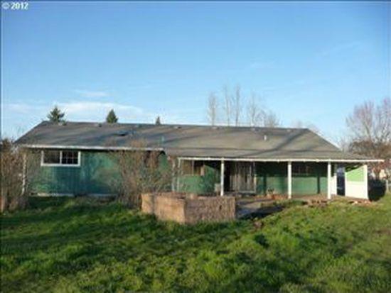 804 E 3rd St, Molalla, OR 97038