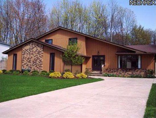 4061 Brewster Dr, Westlake, OH 44145
