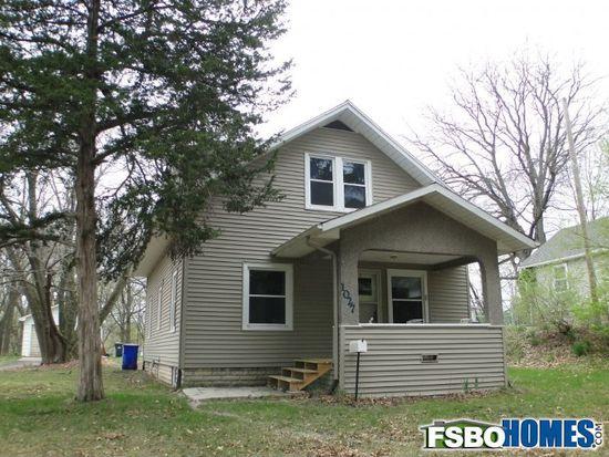 1027 Memorial Dr SE, Cedar Rapids, IA 52403