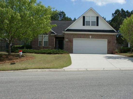 8132 Beddoes Dr, Wilmington, NC 28411