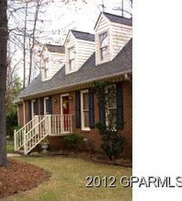 701 Cedarhurst Rd, Greenville, NC 27834
