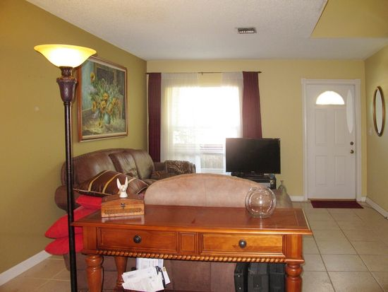 1220 NW 89th Dr, Coral Springs, FL 33071