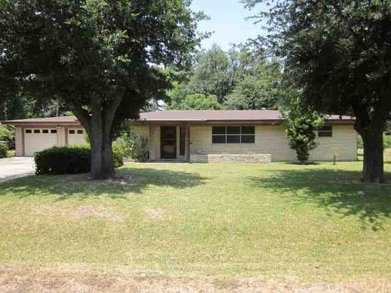 3230 Canal Ave, Groves, TX 77619
