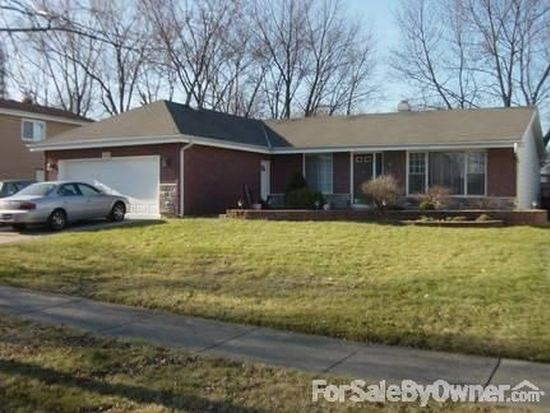 310 Plymouth Ln, Bloomingdale, IL 60108