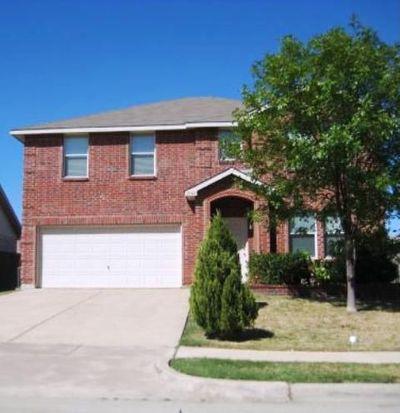 2140 Edgewood Dr, Grand Prairie, TX 75052