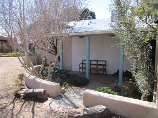 1604 Old Town Rd NW, Albuquerque, NM 87104
