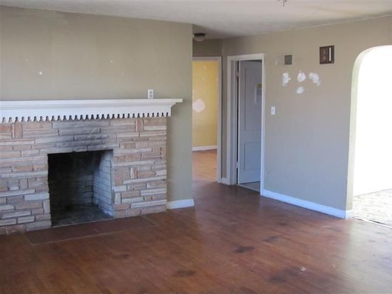 1036 W Stanford St, Springfield, MO 65807