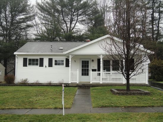 146 Winfield Dr, Grove City, PA 16127