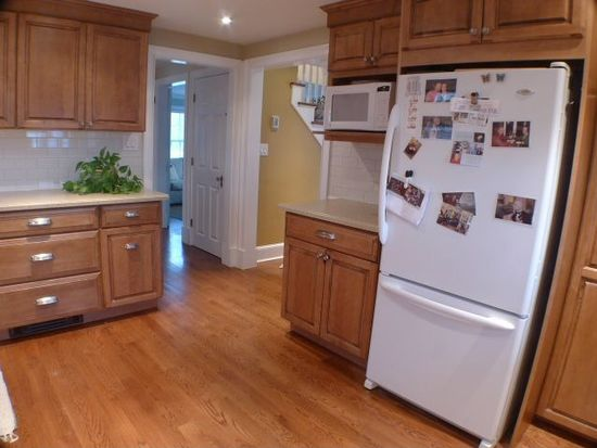 16 Longview Dr, Beverly, MA 01915