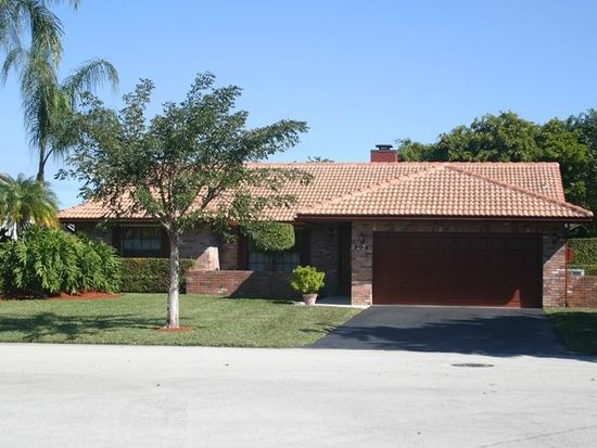 303 NW 107th Ave, Coral Springs, FL 33071