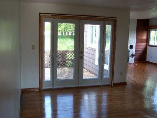 11440 Findley Lake Rd, North East, PA 16428