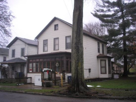 489 North St, Meadville, PA 16335