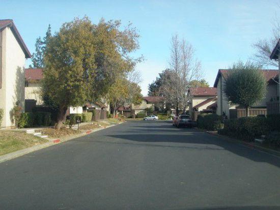 311 Acorn Ct, Vacaville, CA 95688