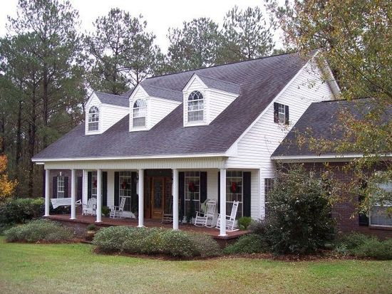 24 Pecan Grove Rd, Ellisville, MS 39437