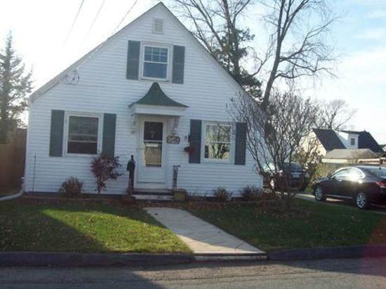 92 Jordan Ave, Cranston, RI 02910
