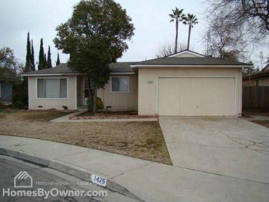 1425 Beverly Cir, Clovis, CA 93611