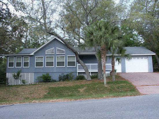 2244 Club House Dr, Lillian, AL 36549