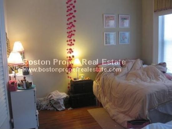 27 1/2 Massachusetts Ave APT 3, Boston, MA 02115