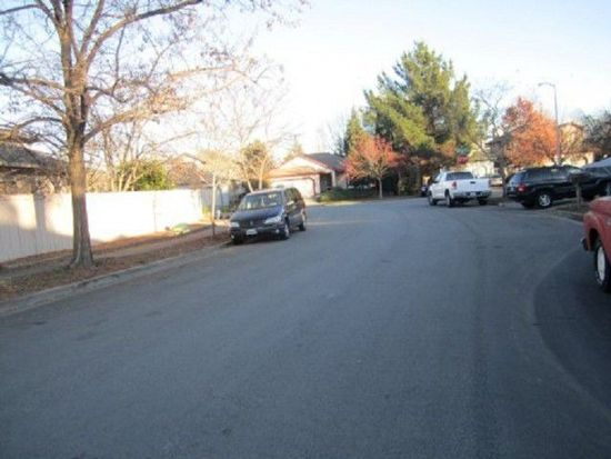 2412 Bobwhite Way, Santa Rosa, CA 95403
