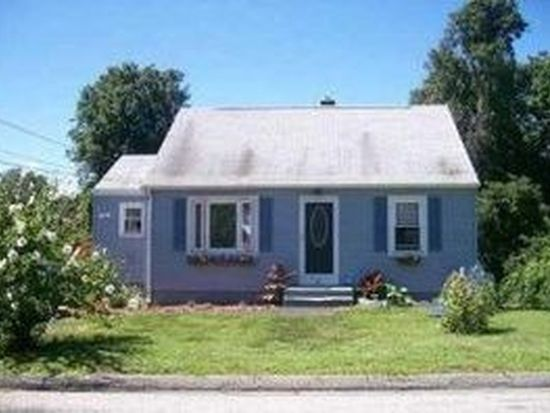 20 Stone St, Waterford, CT 06385