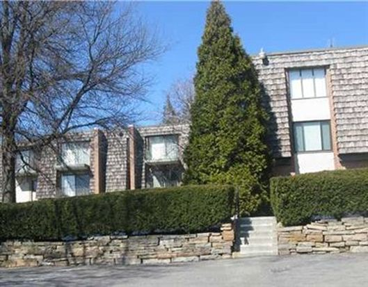 333 Forest Green Dr, Coraopolis, PA 15108