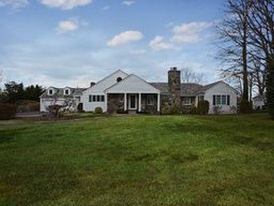 88 Country Club Dr, Port Washington, NY 11050