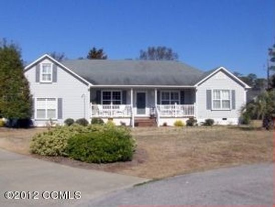 105 Core Dr E, Morehead City, NC 28557