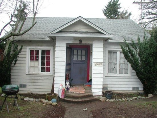 3900 SW 98th St, Seattle, WA 98136
