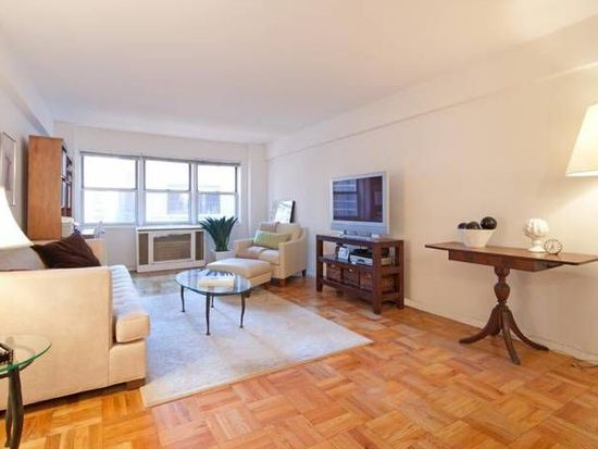 321 E 45th St APT 8G, New York, NY 10017