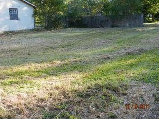 5024 Willow St, Moss Point, MS 39563